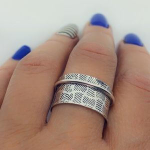 Sterling Silver Textured Wide Band Spinner Ring